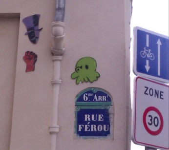 Another of Gzup's Octopus, Paris, France, April 2012