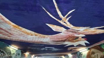 It's really hard photographing the ceiling... Must be even harder painting it! Reichenbachbrücke underpass